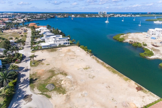 Crystal Harbour Waterfront Lot