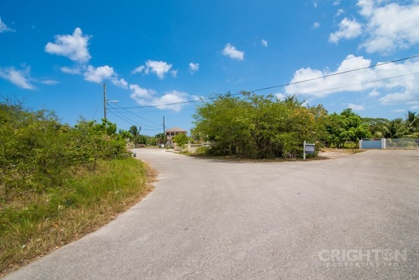 Avilla Lot In West Bay - Image 3