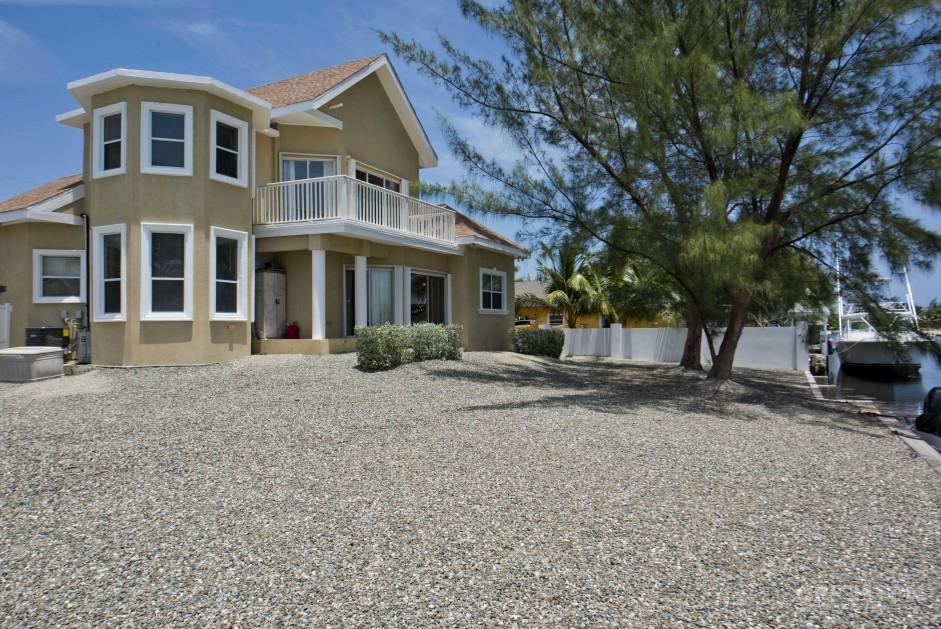 Bonnie View  Estates Canal Front Home - Image 3