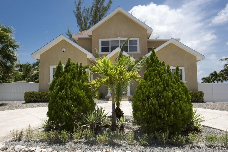 Bonnie View  Estates Canal Front Home - Image 2