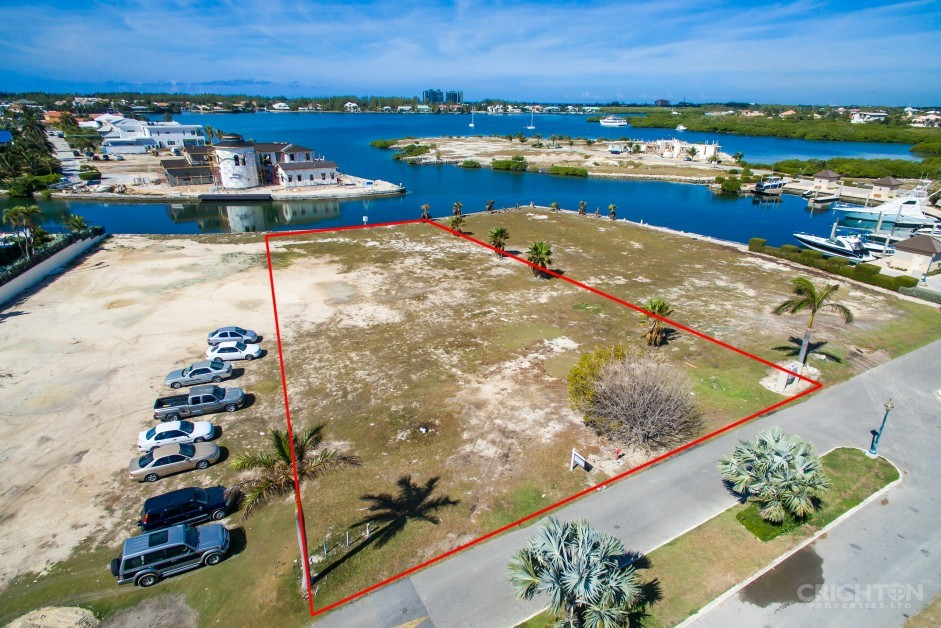 Lalique Pointe Canal Front Lot, Crystal Harbour