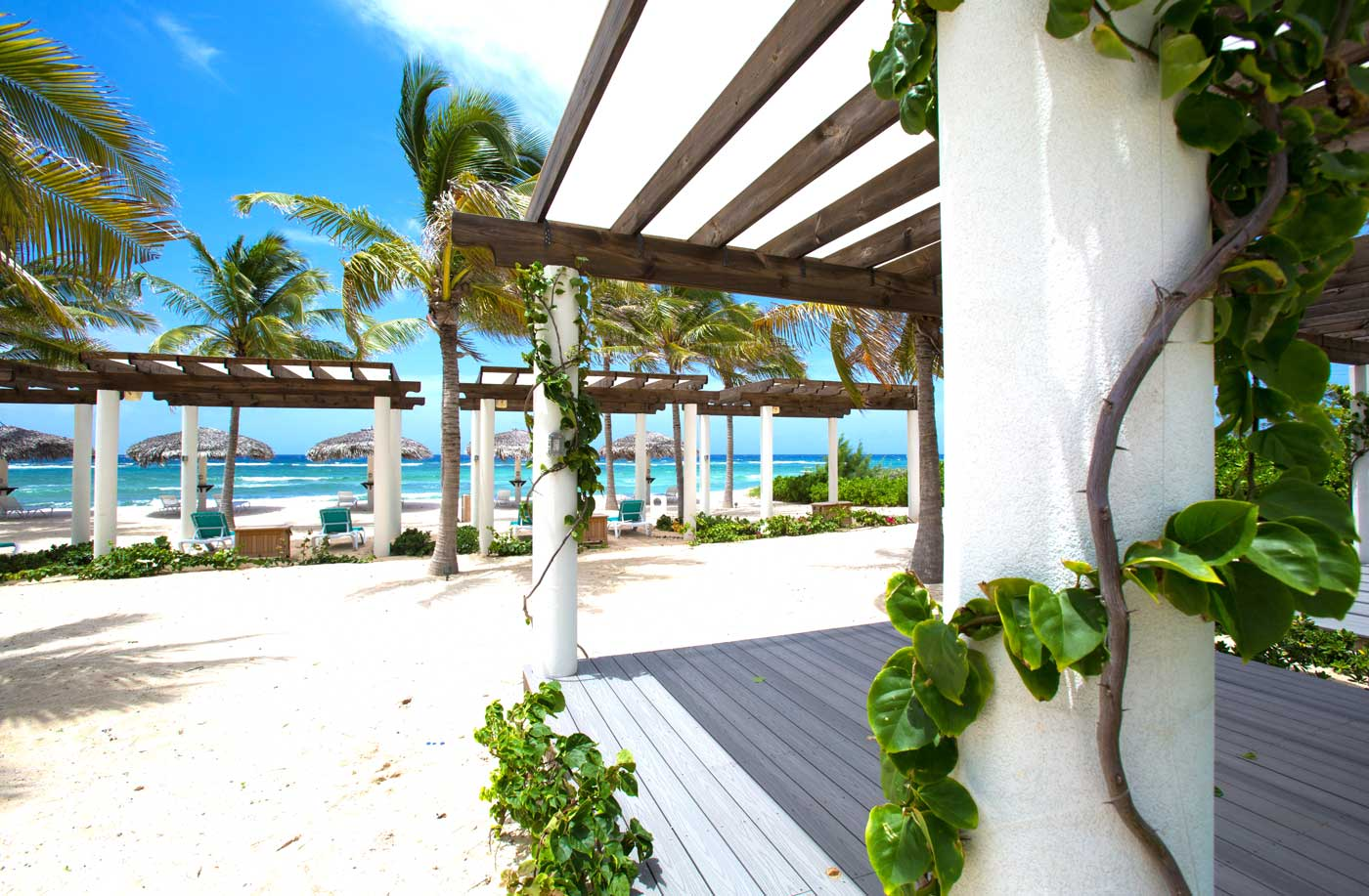 Condé Nast names Cayman among top islands in world - Image 1